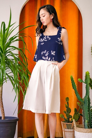 ARIN FLORAL TIE STRING TOP #MADEBYLOVET (NAVY)