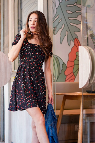 SAMMIE FLORAL SQUARE NECK TIE STRING DRESS #MADEBYLOVET (BLACK) *RESTOCKED*