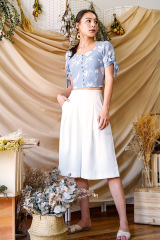JULIA FLORAL SWEETHEART BUTTON CROP TOP #MADEBYLOVET (DUSTY BLUE)