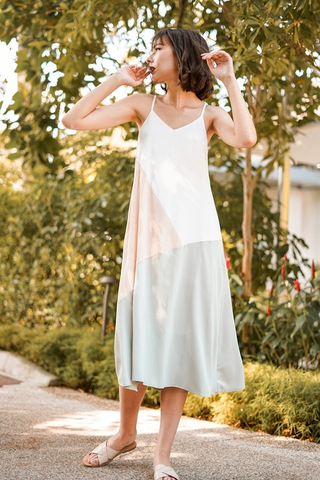 NATASHA COLOURBLOCK MIDI DRESS #MADEBYLOVET (WHITE/MINT) *BACKORDER*