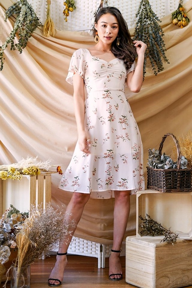 EMELIE RUCHED SWEETHEART FLORAL MIDI DRESS #MADEBYLOVET (CREAM)