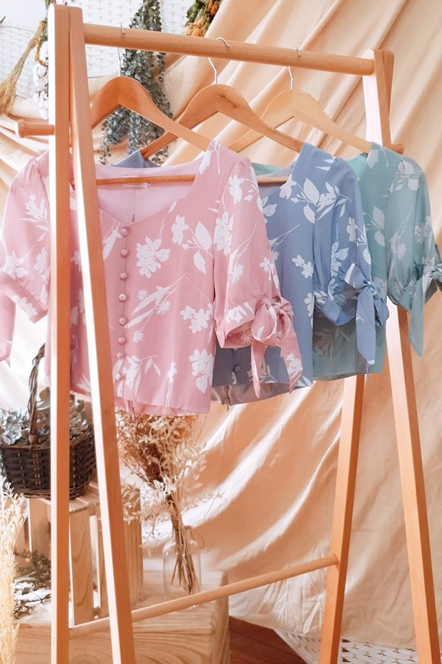 JULIA FLORAL SWEETHEART BUTTON CROP TOP #MADEBYLOVET (DUSTY PINK)
