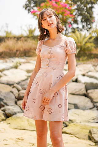 CHERIE SWEETHEART OFFSIE SLEEVE EYELET DRESS #MADEBYLOVET (BLUSH)