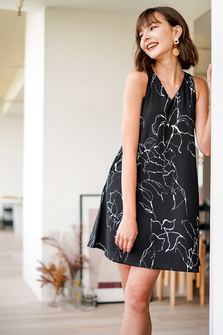STELLA ABSTRACT V-NECK SHIFT DRESS WITH SASH #MADEBYLOVET (BLACK)