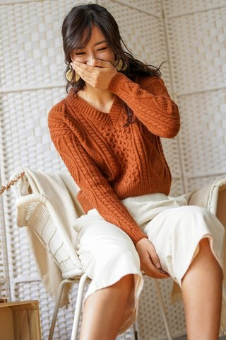 BRENDA CABLE KNIT PULLOVER  (GINGERBREAD) *RESTOCKED*