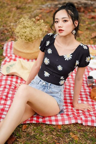TAISSA DAISY BUTTON TOP #MADEBYLOVET (BLACK)
