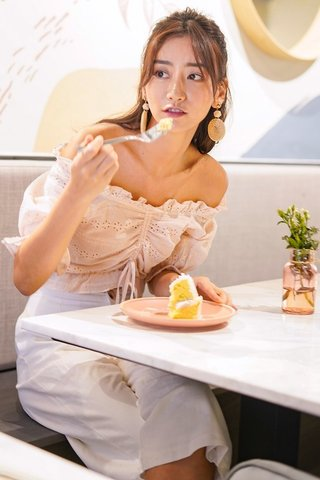 JECILLA EYELET OFF-SHOULDER SCRUNCHED TOP #MADEBYLOVET (LIGHT PEACH)
