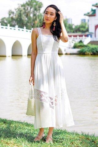 VIENNA EYELET MAXI DRESS #MADEBYLOVET (WHITE)