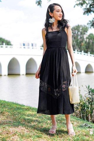 VIENNA EYELET MAXI DRESS #MADEBYLOVET (BLACK)