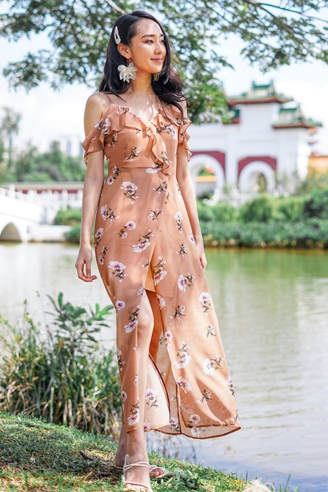 CASSIDY FLORAL DROP-SHOULDER MAXI SLIT DRESS #MADEBYLOVET (CAMEL BROWN)
