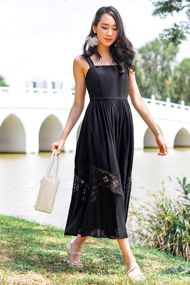 VIENNA EYELET MAXI DRESS #MADEBYLOVET (BLACK)