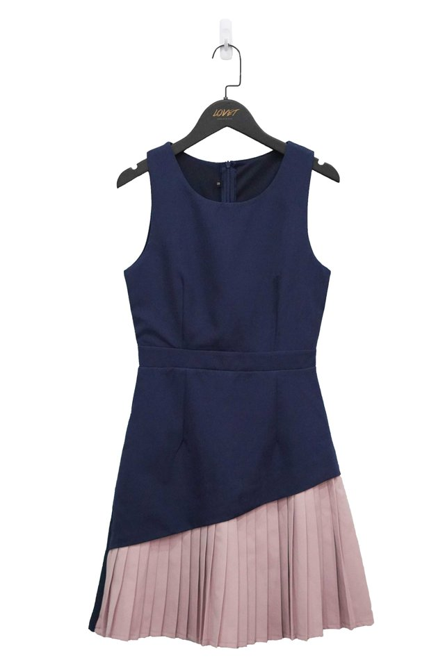 BLAIRE DUO COLOURBLOCK PLEATED DRESS (NAVY)