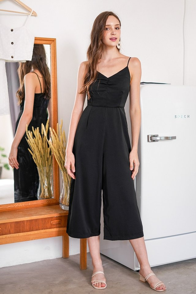 ELENA RUCHED BASIC JUMPSUIT #MADEBYLOVET (BLACK)