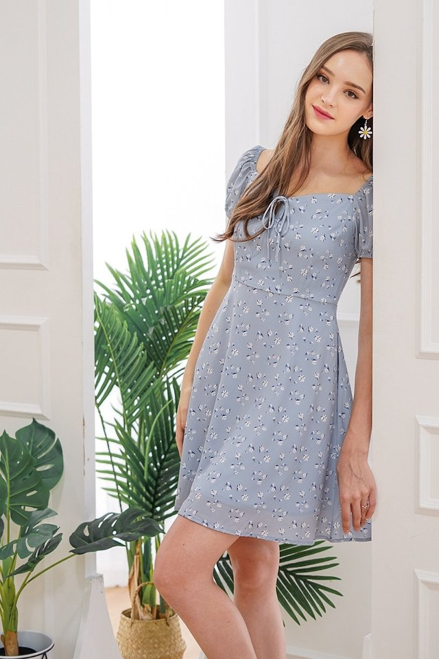 NYSSA SWEETHEART FLORAL DRESS #MADEBYLOVET (POWDER BLUE)