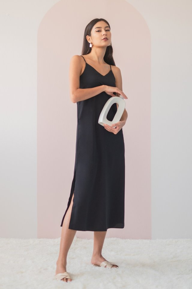 DELYSE SLIT MAXI DRESS #MADEBYLOVET (BLACK) *BACKORDER*