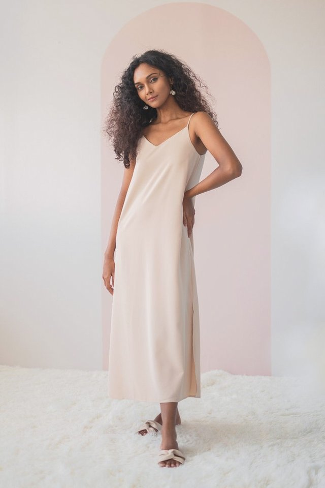 DELYSE SLIT MAXI DRESS #MADEBYLOVET (SAND)