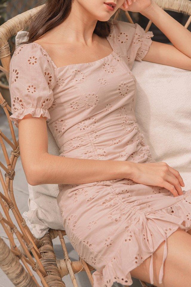 MERLYNN 2-WAY EYELET SCRUNCH DRESS #MADEBYLOVET (DUSTY PINK)
