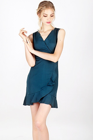 SKYLER RUFFLES V-NECK DRESS (EMERALD GREEN)