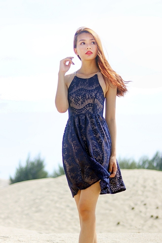 JERMAINE OVERLAY LACE CUT-IN DRESS (NAVY) *RESTOCKED*