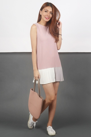 ARIA TRIO COLOURBLOCK PLEATED SHIFT DRESS (DUSTY PINK)