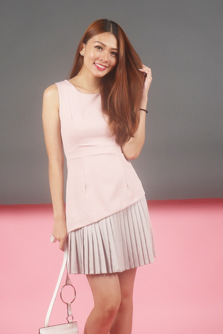 BLAIRE DUO COLOURBLOCK PLEATED DRESS (DUSTY PINK)