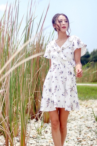 SOPHIE FLORAL RUFFLES TIE-STRING DRESS #MADEBYLOVET (WHITE)
