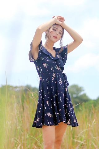 SOPHIE FLORAL RUFFLES TIE-STRING DRESS #MADEBYLOVET (NAVY)