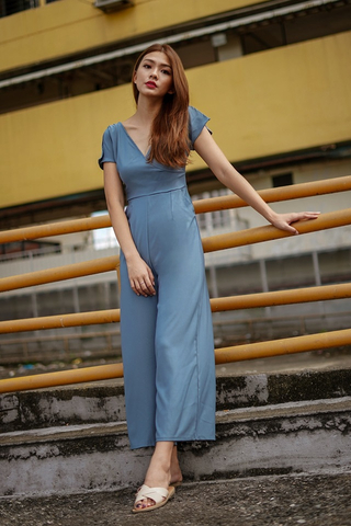 CARSON V-NECK WIDE-LEG JUMPSUIT (ASH BLUE)