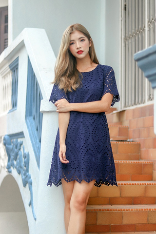 HAZEL EYELET SCALLOP HEM SHIFT DRESS (NAVY)