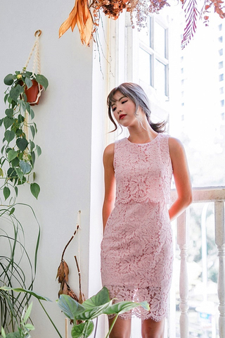 GLENDA LAYERED LACE DRESS (BLUSH)
