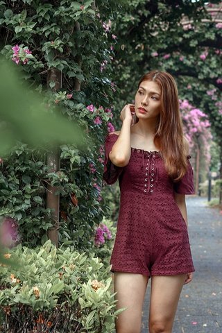 HEATHER EYELET LACE-UP ROMPER (BURGUNDY)