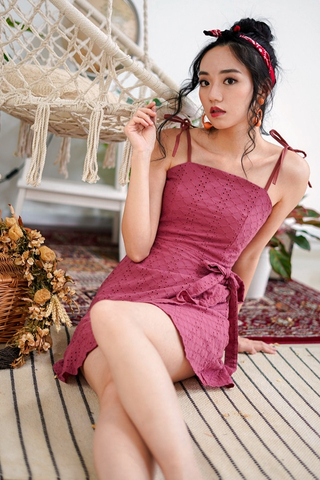 JOANNA EYELET TIE STRING RUFFLES DRESS (RASPBERRY)