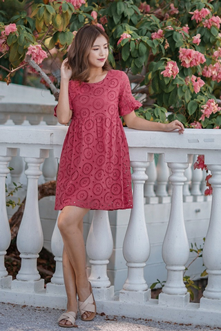POPPY EYELET BABYDOLL DRESS (RASPBERRY)