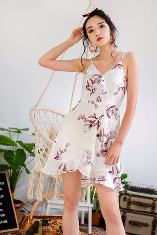 STEPHIE FLORAL RUFFLES SPAG WRAP DRESS #MADEBYLOVET (WHITE)
