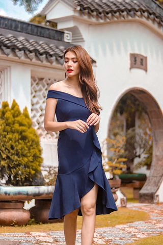 VICTORIA OFF-SHOULDER RUFFLES MIDI DRESS (NAVY)