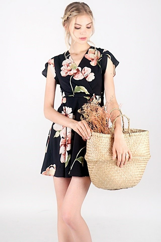 AUBREE FLORAL V-NECK WRAP DRESS #MADEBYLOVET (BLACK)