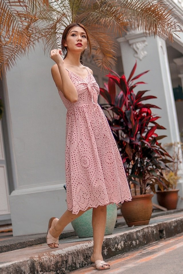 VIOLET TIE-KNOT EYELET DRESS (DUSTY PINK)