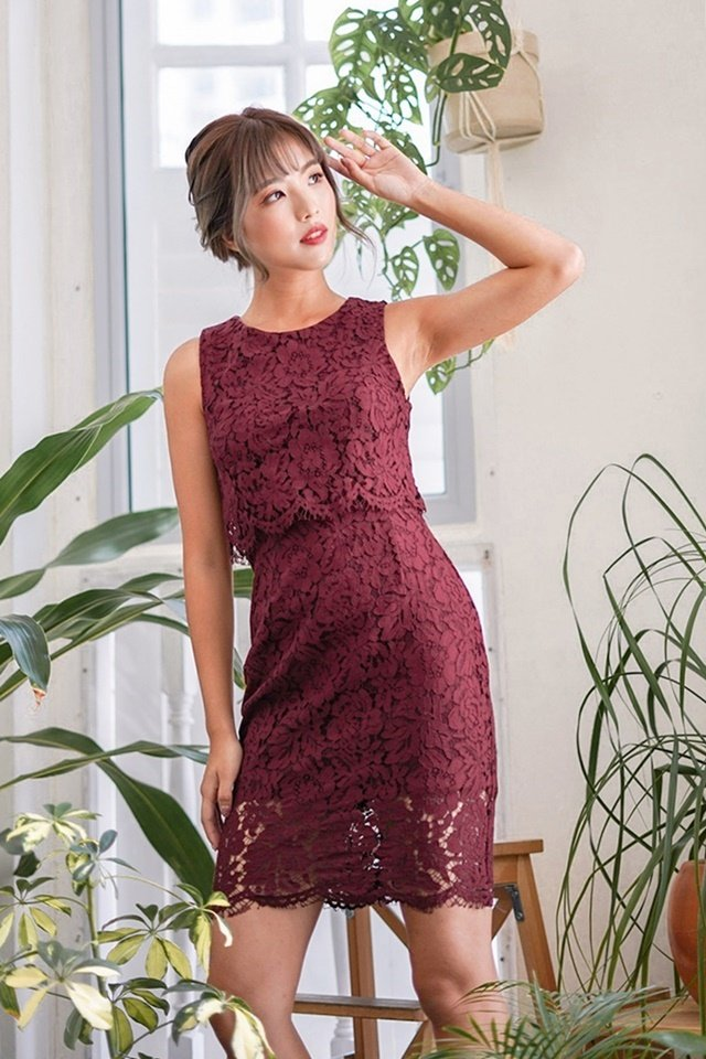 GLENDA LAYERED LACE DRESS (MAROON)