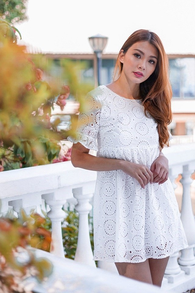 POPPY EYELET BABYDOLL DRESS (WHITE)